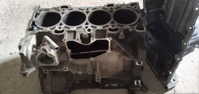 Двигатель LF на разбор от мазды 3 2.0