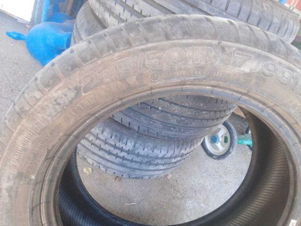 Шины Continental новые на 95%  R 17 размер 225/50