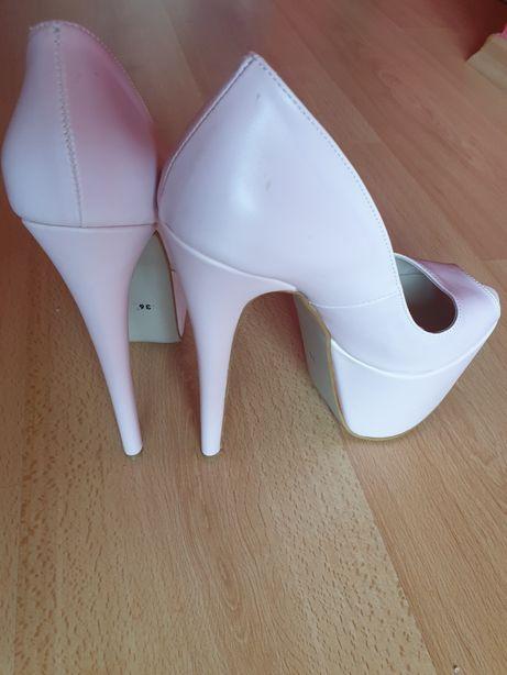 Pantofi marimea 36