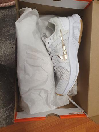 Adidasi Nike nr 37,5