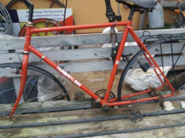 Cadru bicicletă completă preț.220 lei.