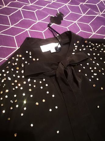 Черна риза с камъни