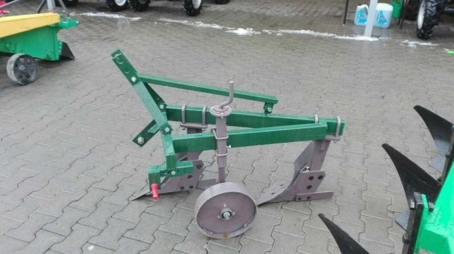 Plug cu 2 doua brazdare / trupite / cormane pt tractor