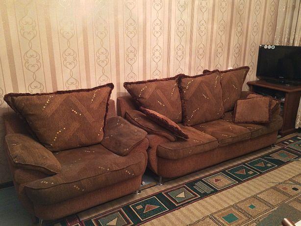 Белорусский Раскладной Диван с двумя креслами в отличном состояний !
