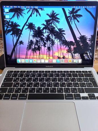 Продам MacBook 2020 M1 Серебристый