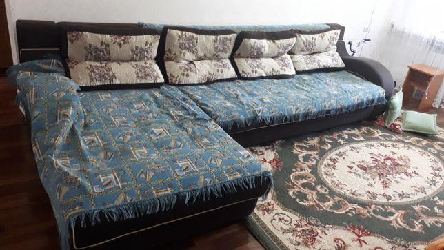 Гостиночный диван