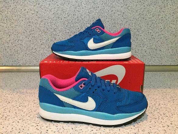 ОРИГИНАЛНИ *** Nike Windrunner TR 2