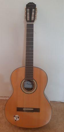 Гитара шестиструнная Agnetha