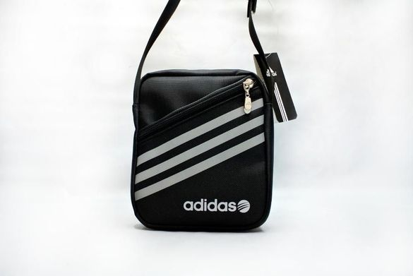 Adidas чанта оригинална H9