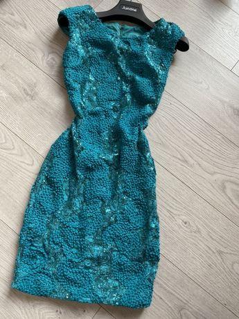 Junona рокля за повод