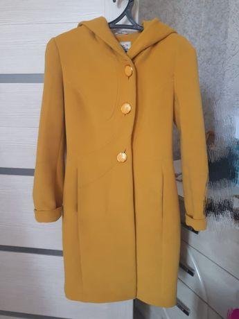 Пальто осенне-весеннее(демисезонное)