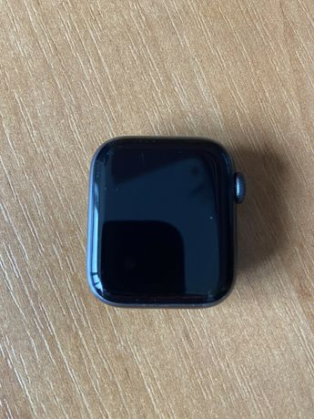 Продам apple watch 4