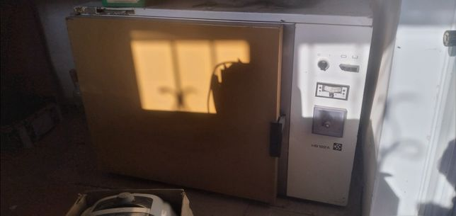 сушильный шкаф .