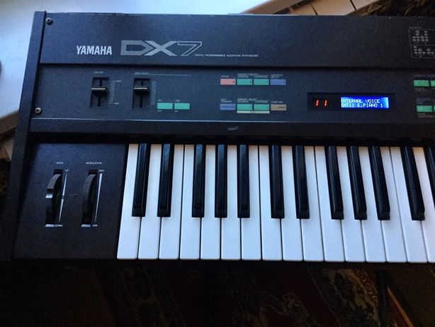 Yamaha DX7, BC-1 breath controller, 2 картриджа Rom, 1 Ram.