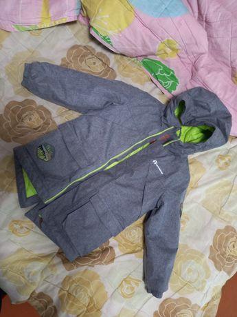 Продам совершенно  новую детскую куртку
