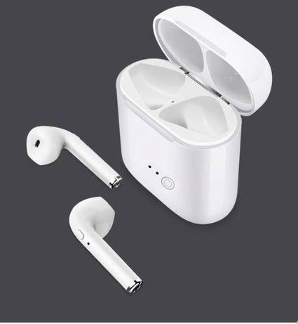 Безжични слушалки i7S tws, Клас ААА, пълен комплект, с зарядна станция