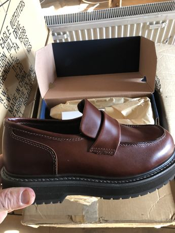 Pantofi din piele naturala made in SUA