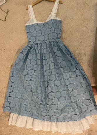 Лятна рокля.  Размер 38. Нежна синя с бяла подплата.