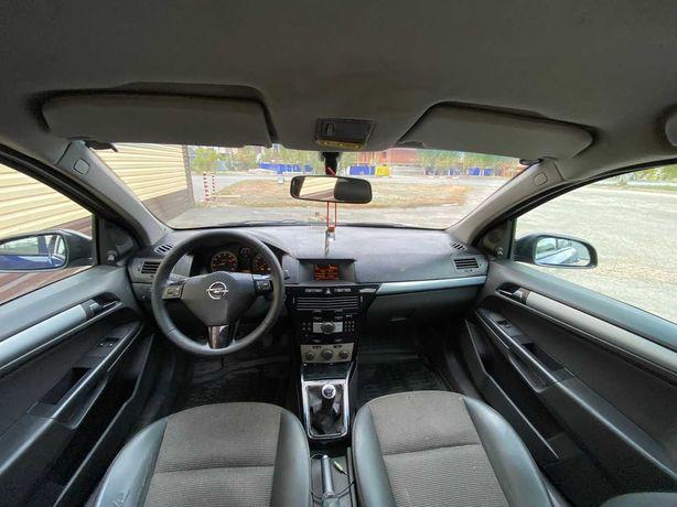 Продам машину Opel Astra