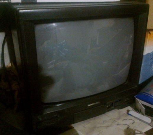 """Телевизор Samsung и Goldstar 14"""" с дефекти - за части - 2бр."""