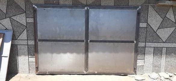 Метални врати за мазета
