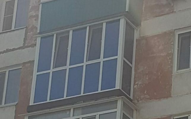 Продам стекла на балкон, окно.