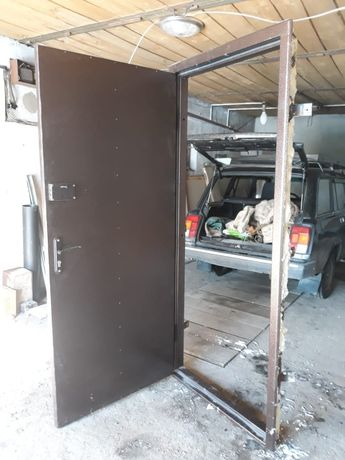 Металлические двери решетки гаражные ворота и многое другое из металла