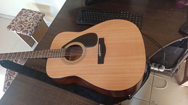 Продаю гитару ямаха