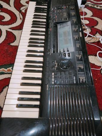 Yamaha PSR-630 .