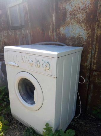 Продам нерабочую стиральную машину. Цена договорная