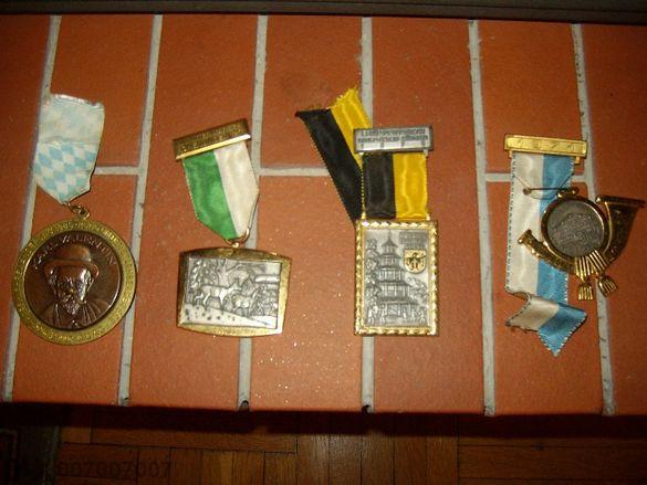 стари медали плакети значки