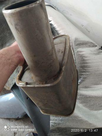 Задняя банка глушитель на форд мондео2 нержавейка в отличном состоянии