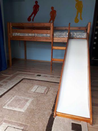 Vând pat cu topogan pentru copii