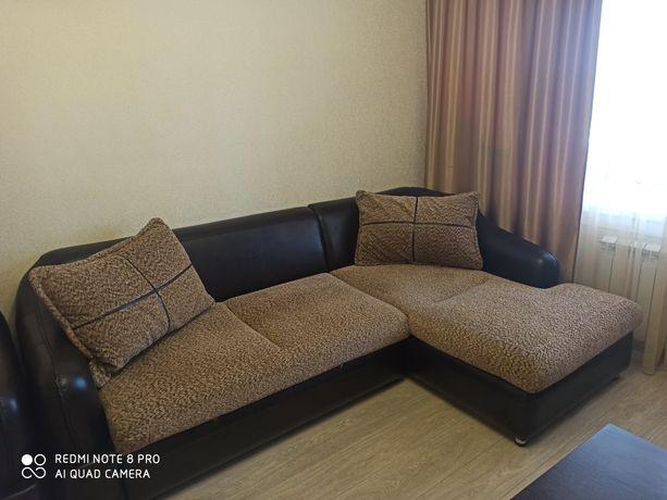Срочно продам диван угловой+ кресло