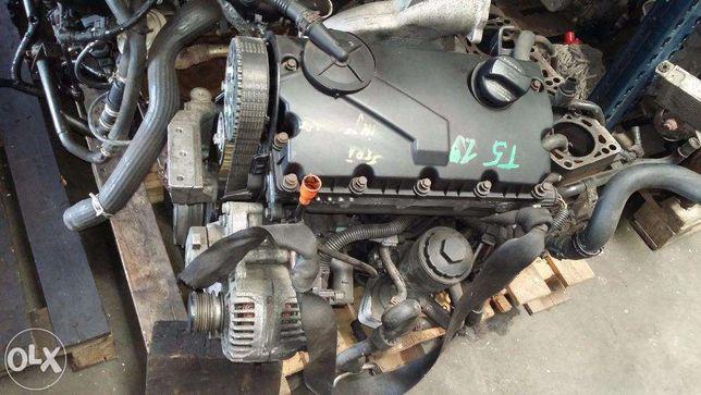 Motor VW T5 1.9 TDI tip AXB AXC