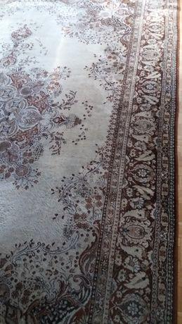 Персийски килим на Декотекс -Сливен