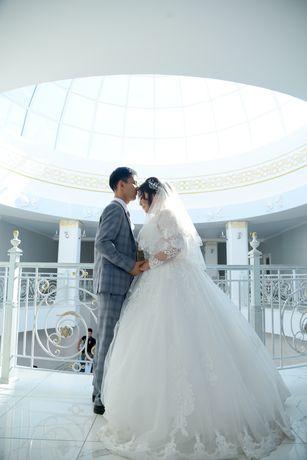 Продам свадебные платье. Большой размер