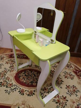 Детский туалетный столик (Трюмо для девочек)