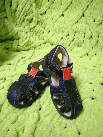 Кроссовки сандали детские