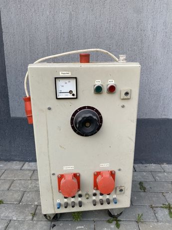Transformator trifazic