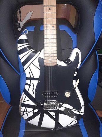 Chitară electrică custom - Van Halen White Frankenstrat
