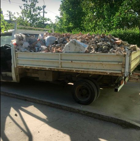 Eliberez ieftin moloz mobila lemne demolari nisip pamant debarasari