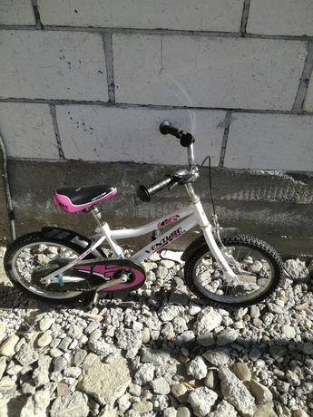 Bicicletă pentru copii folosită fuoarte putin 4-8 ani pret 200lei