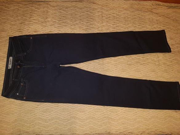 Нови дамски дънки - размер 30