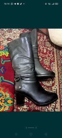 Сапоги зимни 38 размер просто стоить только один раз одеть на тои