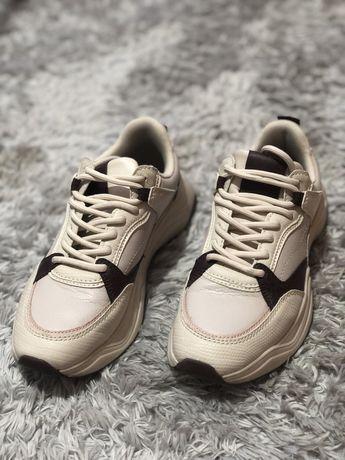 Adidasi Pull&Bear marimea 35