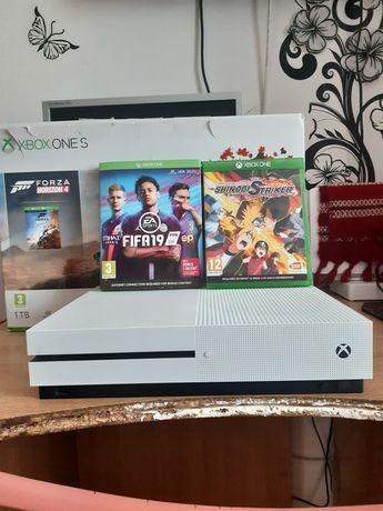 Xbox one s 1 Tb + 3 jocuri