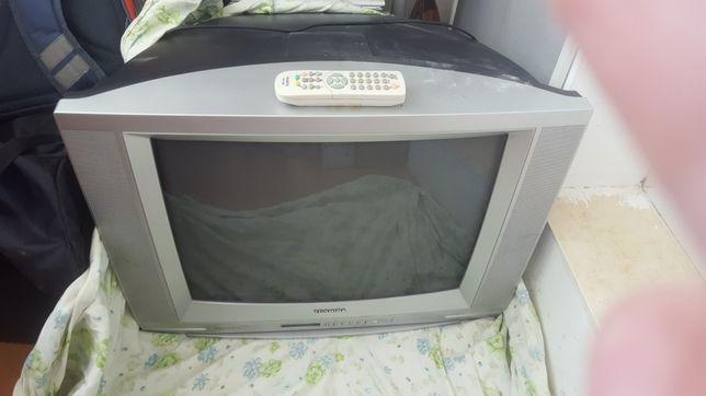 Продаю телевизор отлично показывает!