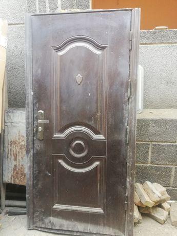 Входная дверь бу