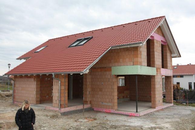 Constructii case la rosu sau la cheie